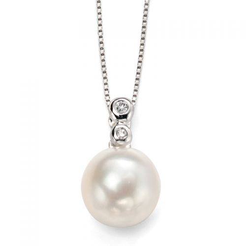 9ct White Gold Diamond and Pearl Pendant and Chain